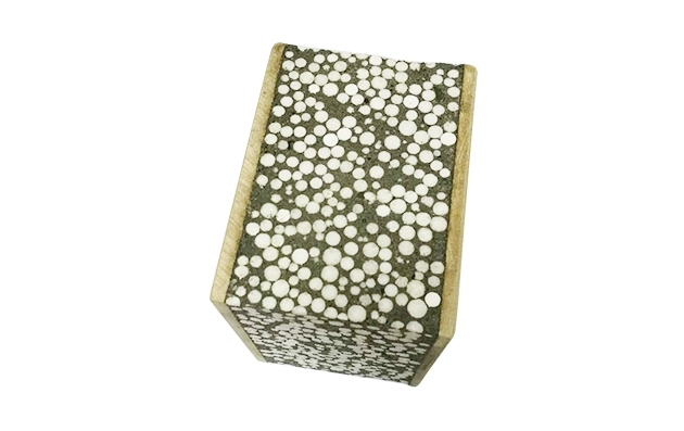 轻质水泥板是一种高性能建筑内隔板